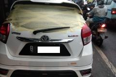 Kaca mobil belakang Toyota Yaris 2
