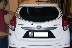 Kaca mobil belakang Toyota Yaris 3