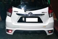 Kaca mobil belakang Toyota Yaris 4