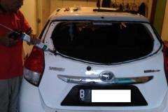 Kaca mobil belakang Toyota Yaris 5