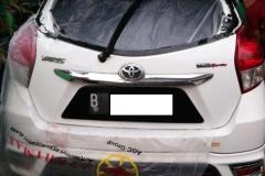 Kaca mobil belakang Toyota Yaris